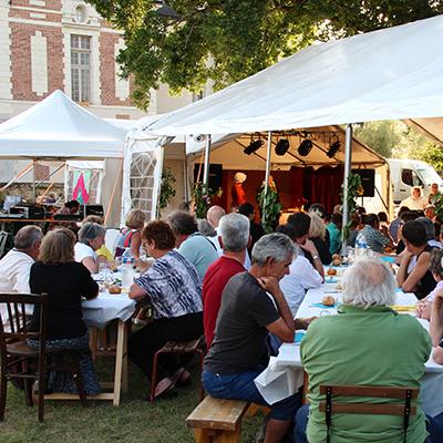 Repas en plein air au château de Selles sur Cher